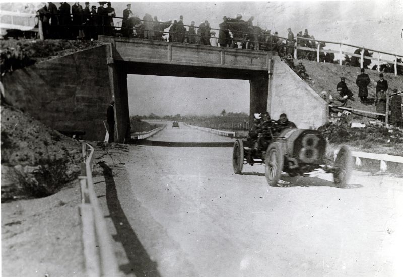 Vanderbilt cup races blog mystery foto 8 solved for Hotels on motor parkway long island