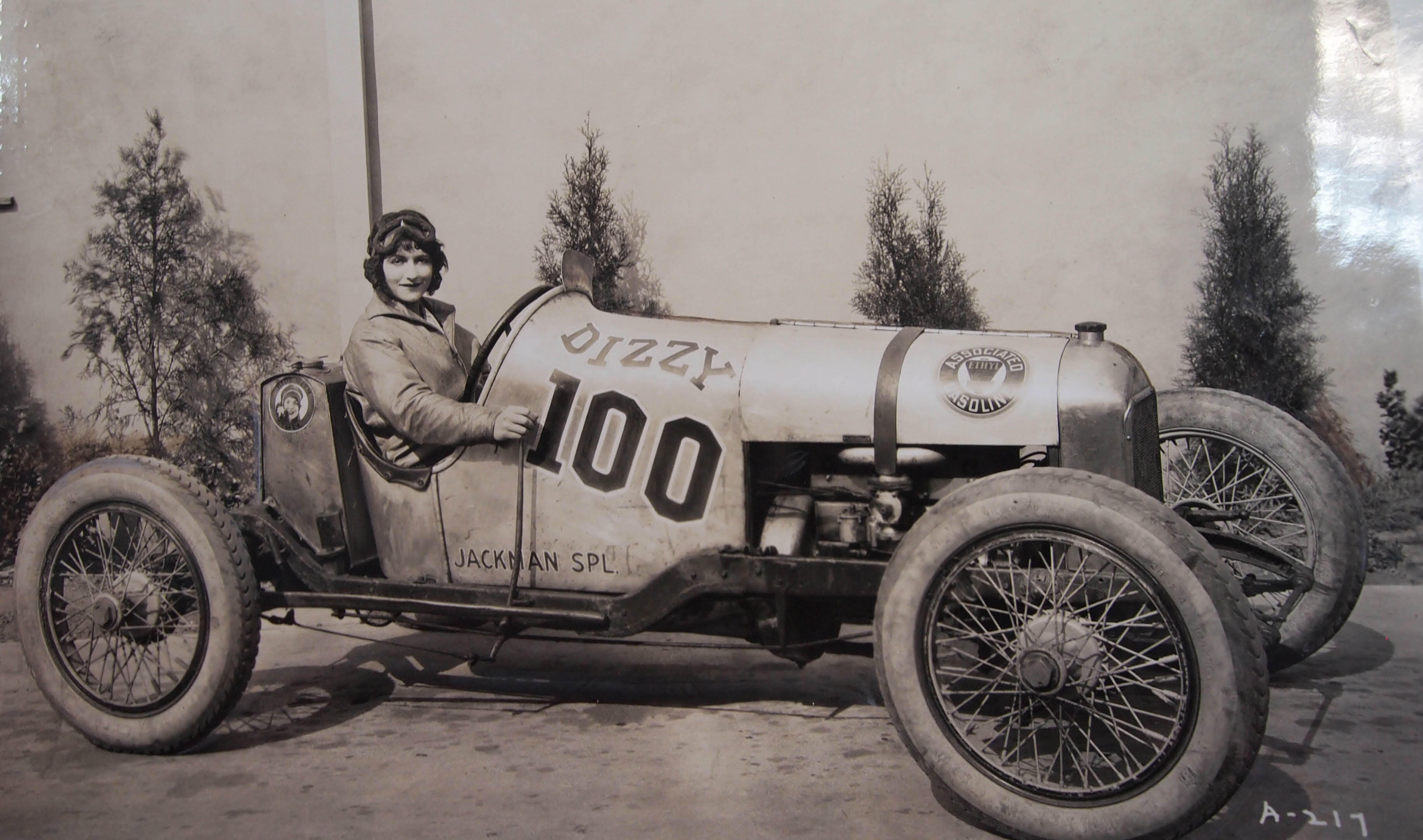 Vanderbilt Cup Races Blog Women And Automobiles In The Early