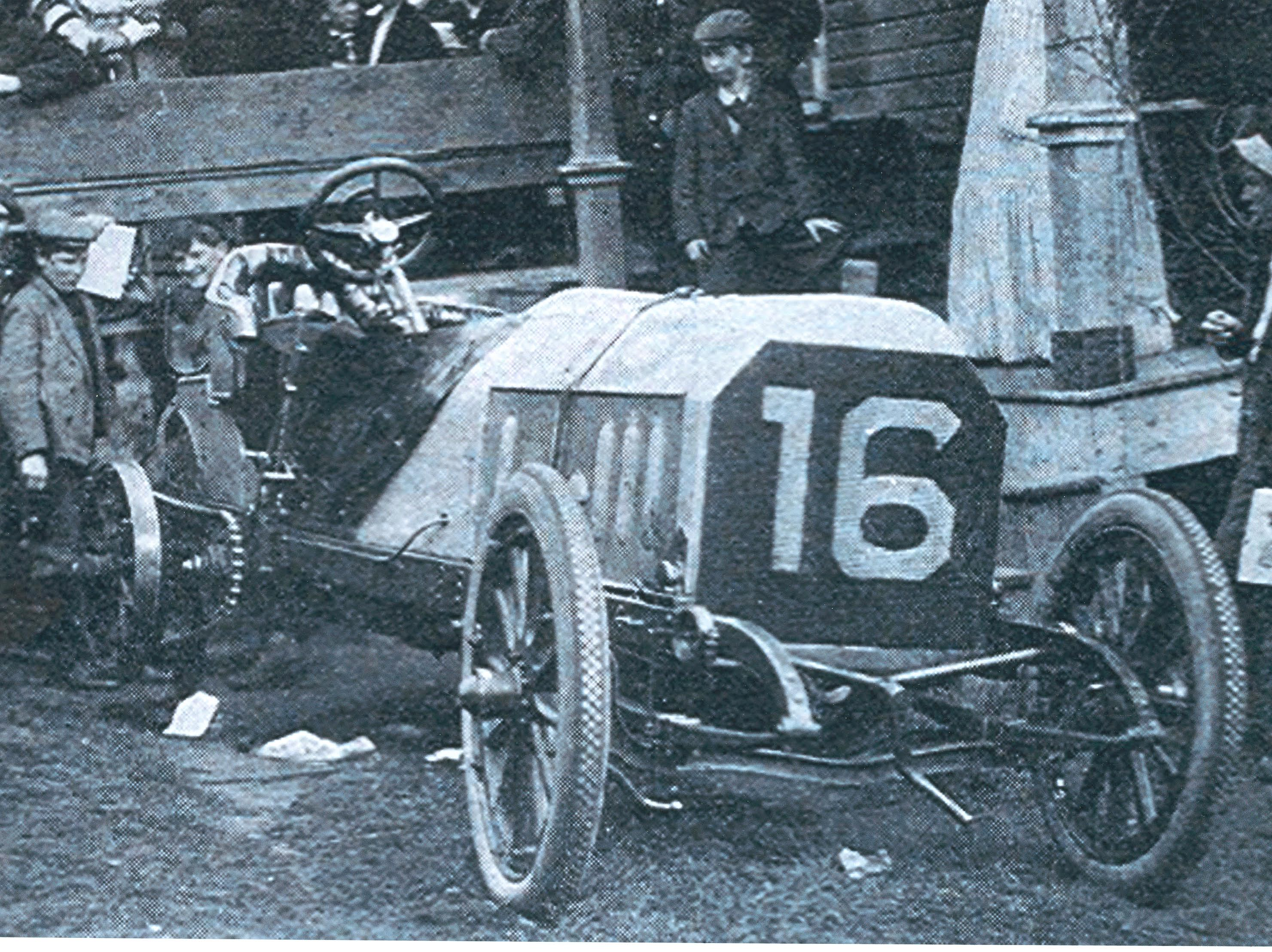 #16 Fiat (Italy) driven by Dr.